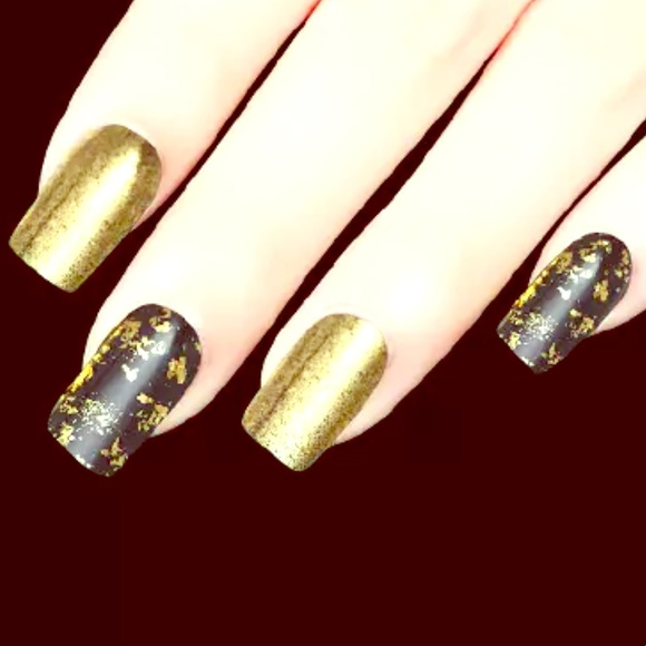 Real Gold flakes for nail accent and decoration NWT
